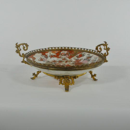 Винтажная керамическая тарелка в бронзовой золочёной оправе