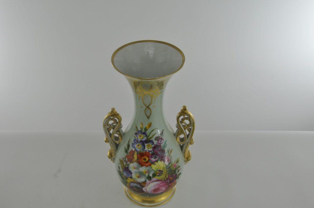 Винтажная пара фарфоровых ваз