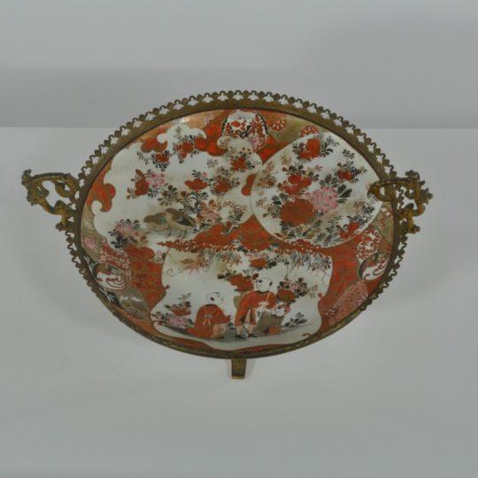 Винтажная керамическая тарелка в бронзовой золочённой оправе