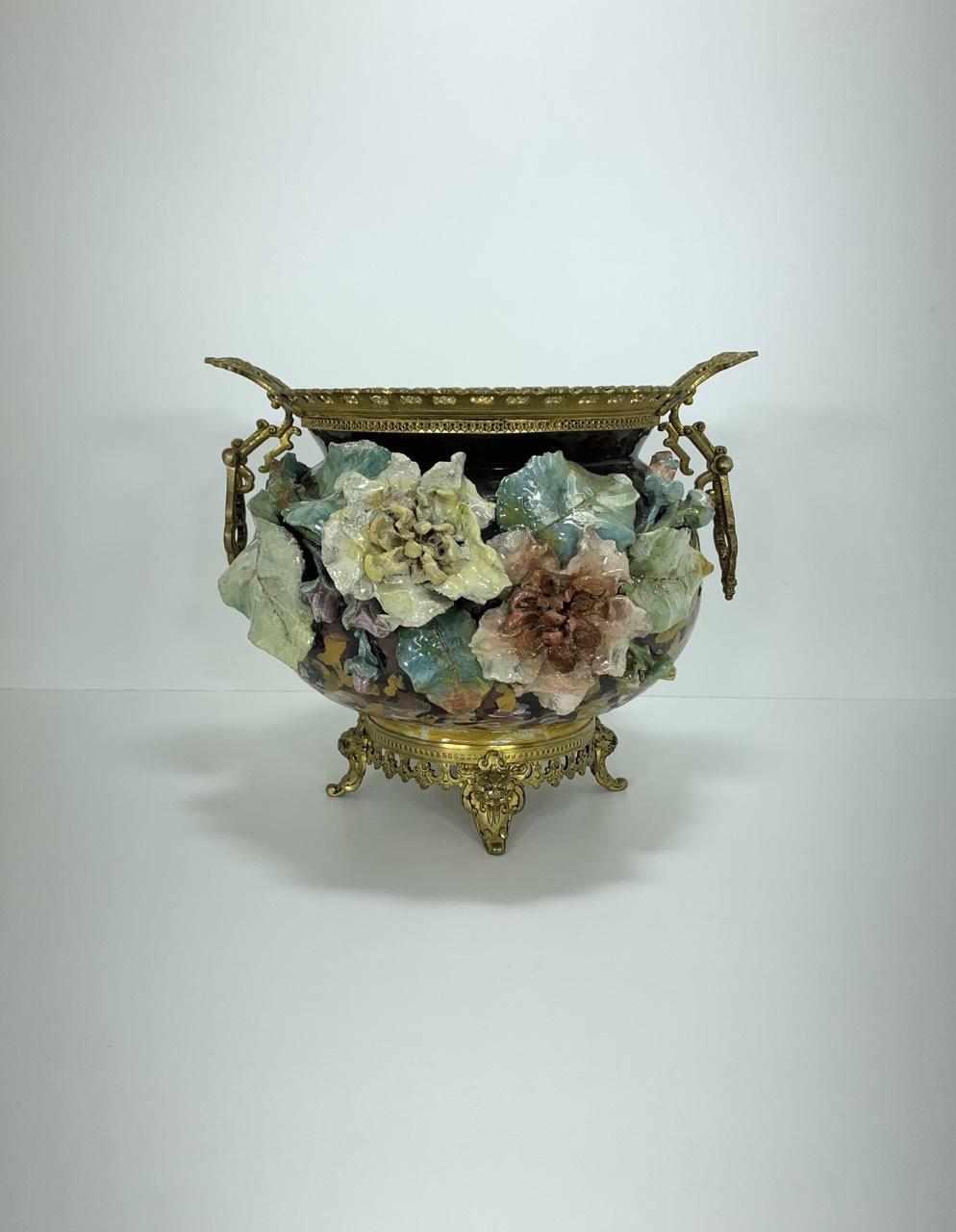 Антикварная двухсторонняя ваза барботин в бронзовой оправе