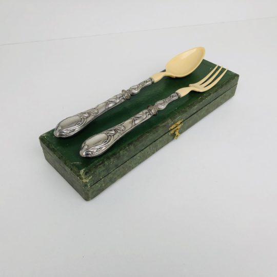 Антикварные столовые принадлежности для салатов
