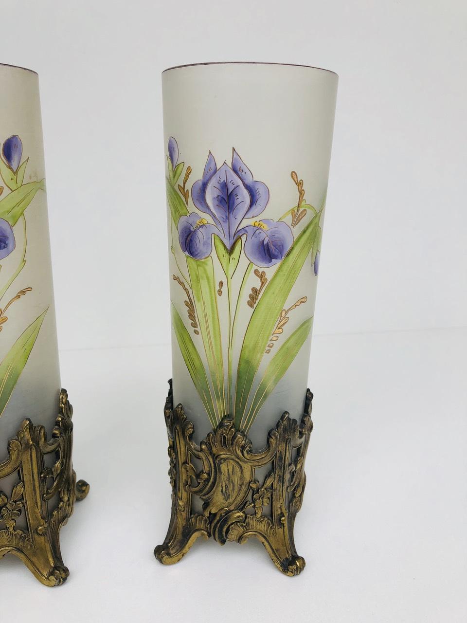 Антикварная пара ваз с ручной росписью