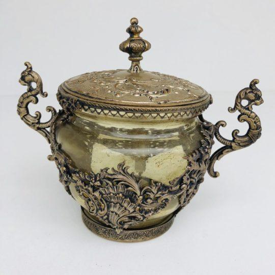 Антикварная сахарница в декоративной оправе