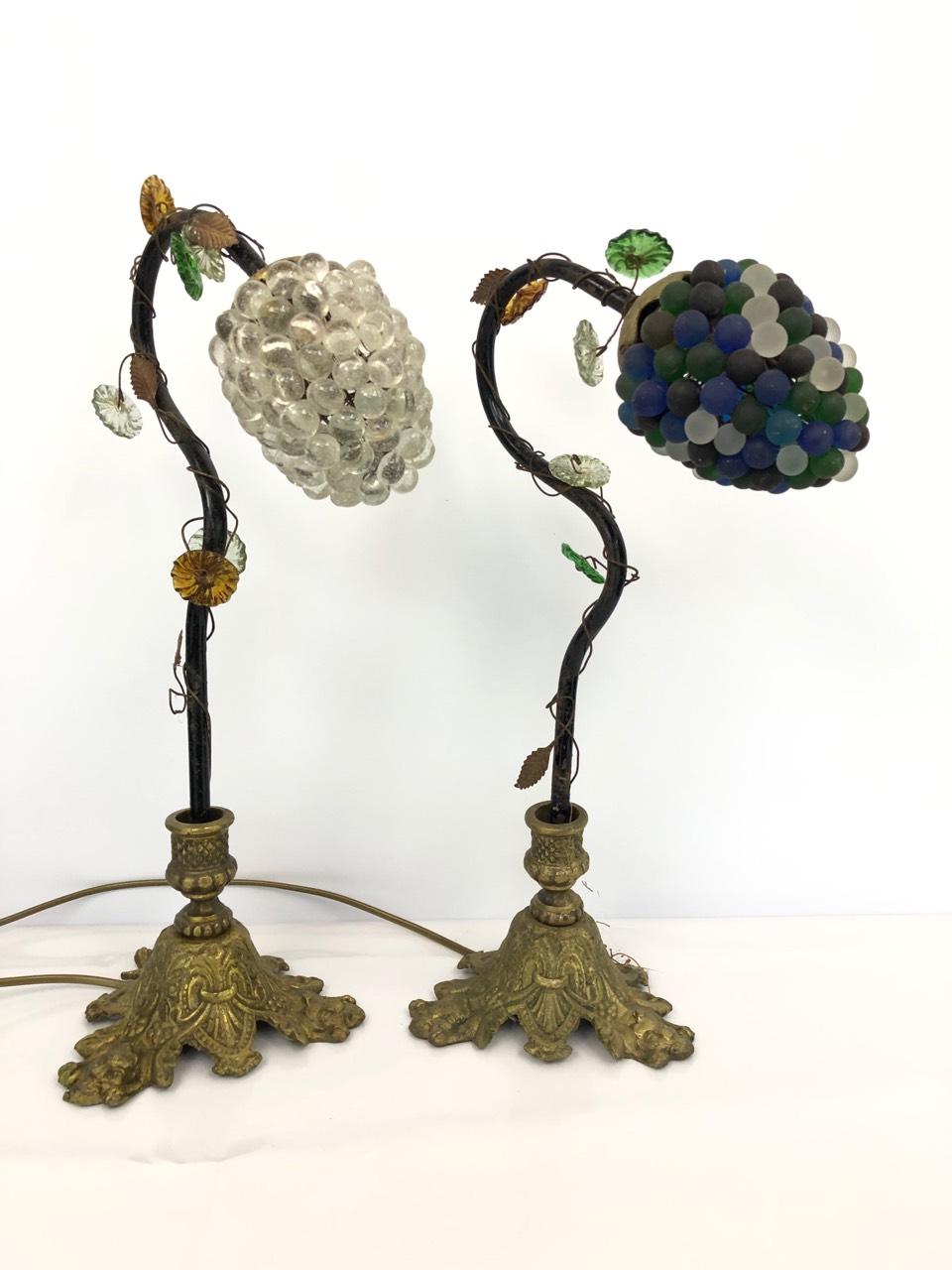 Пара антикварных ламп с плафонами из муранского стекла