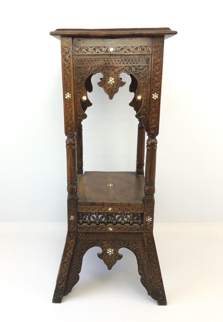 Антикварная резная подставка-столик