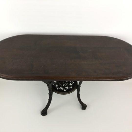 Винтажный стол на чугунной ноге