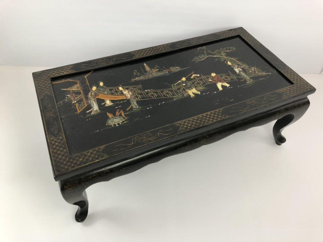 Винтажный столик в стиле Шинуазри