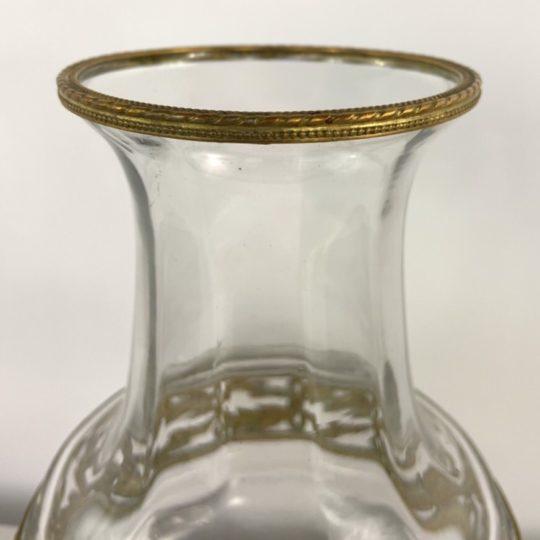 Винтажная стеклянная ваза в бронзовой оправе