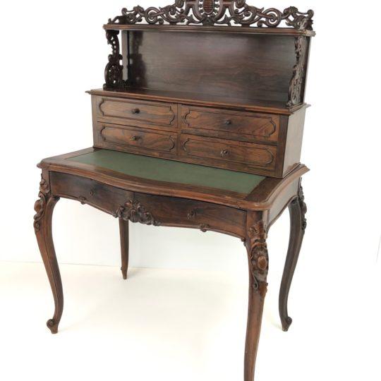 Антикварное бюро из красного дерева