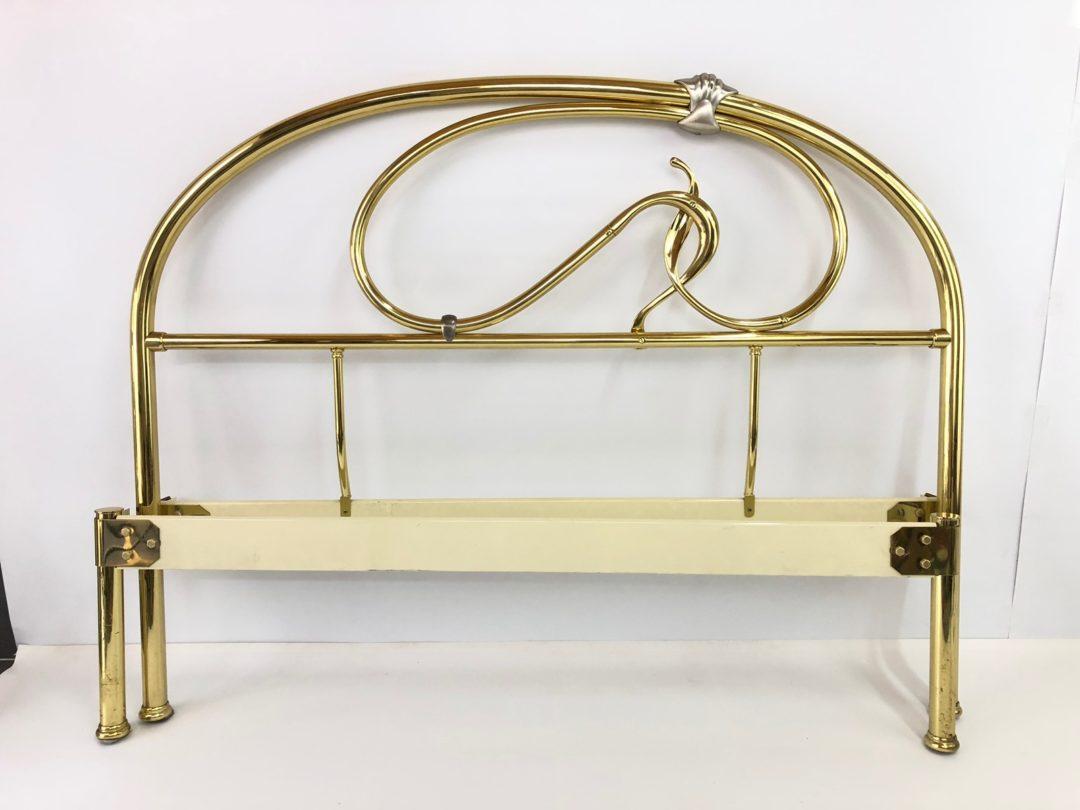 Винтажная латунная кровать