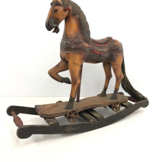 Антикварная детская игрушка лошадка-качалка