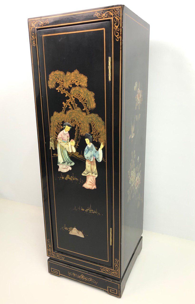 Винтажная тумбочка в стиле Шинуазри