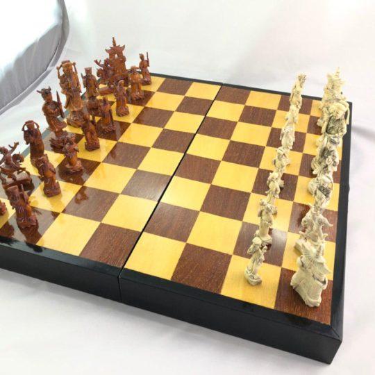 Винтажные шахматы ручной работы из слоновой кости