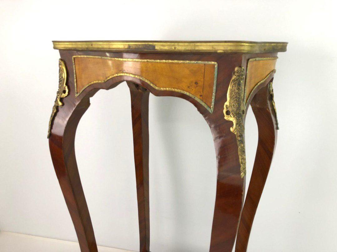 Антикварный столик-подставка