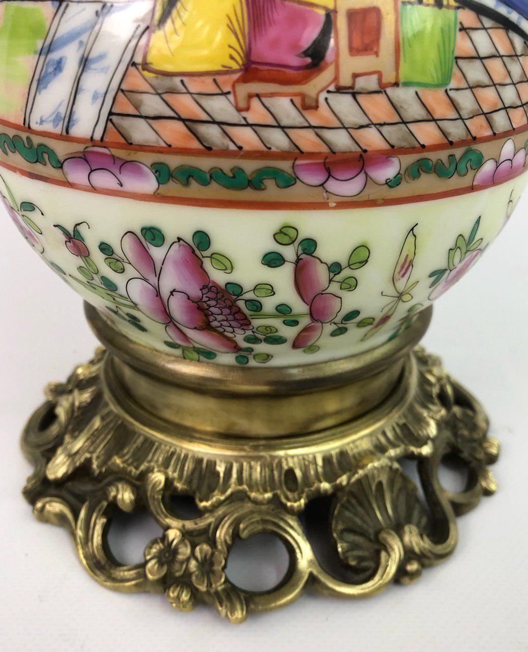 Антикварная лампа в стиле Шинуазри