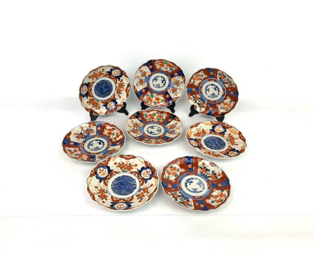 Набор антикварных тарелок в стиле Имари