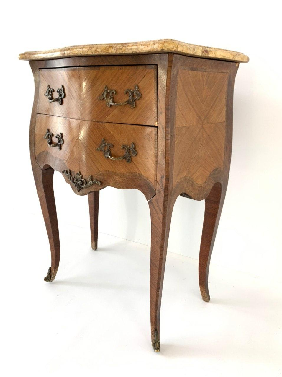 Антикварный комод в стиле Луи XV