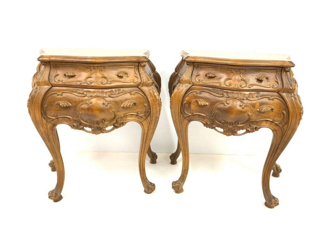 Антикварная пара тумбочек в стиле Барокко