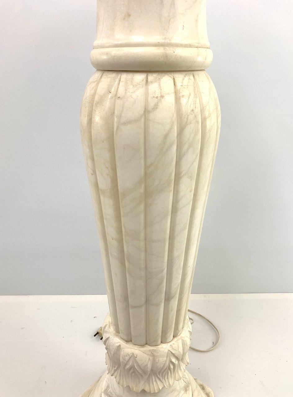 Винтажная колонна из альбатра
