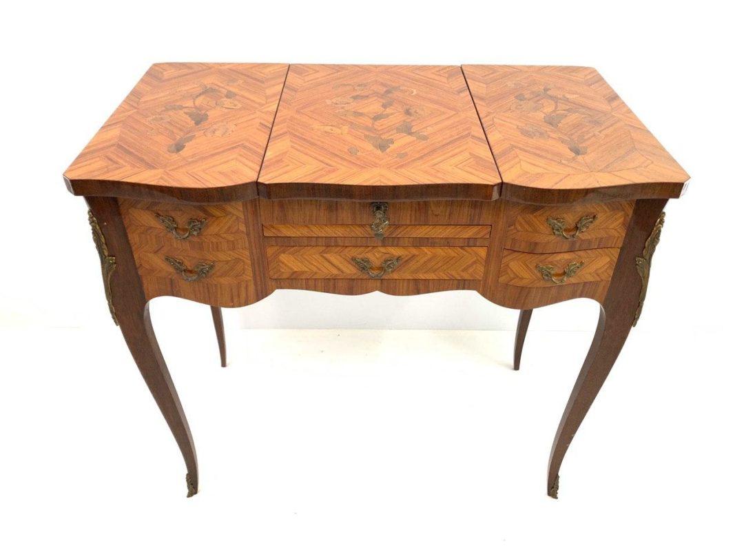 Винтажный туалетный столик в стиле Луи XV