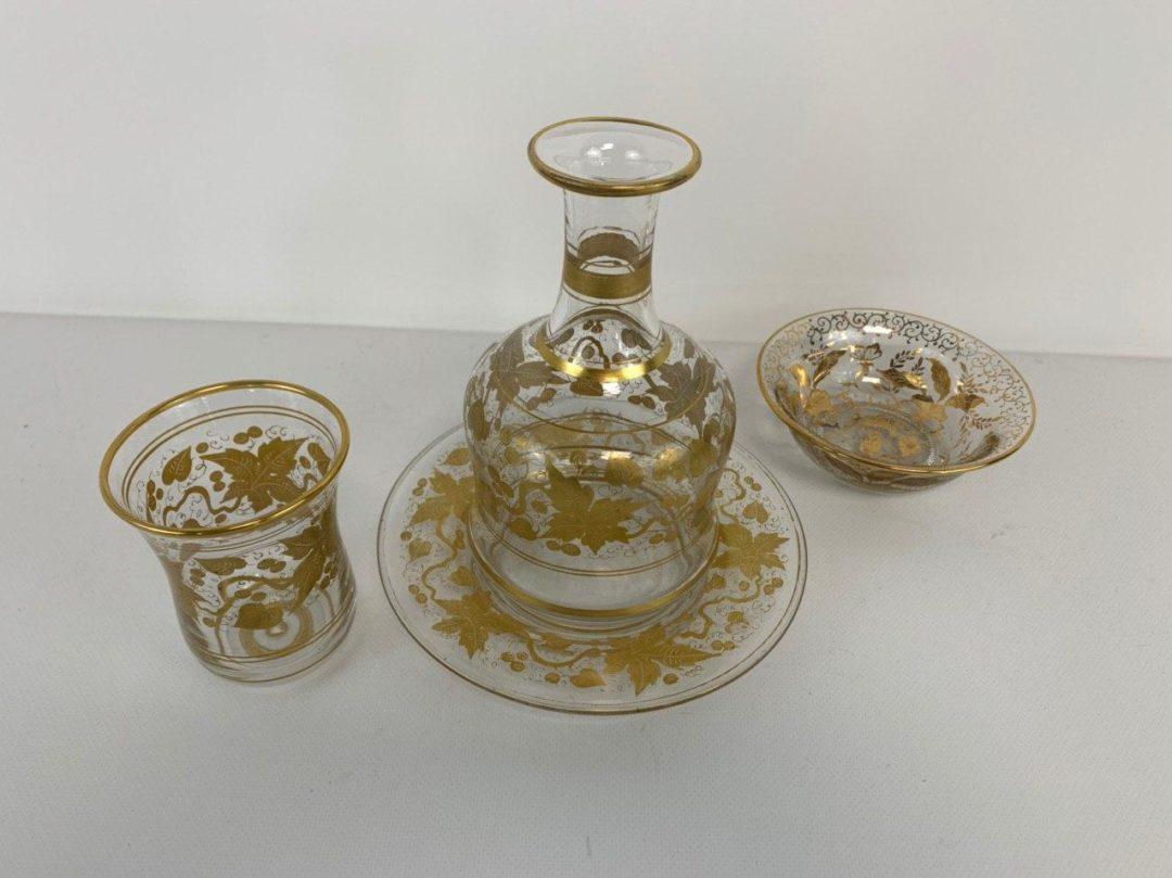 Винтажный набор посуды для ночного столика