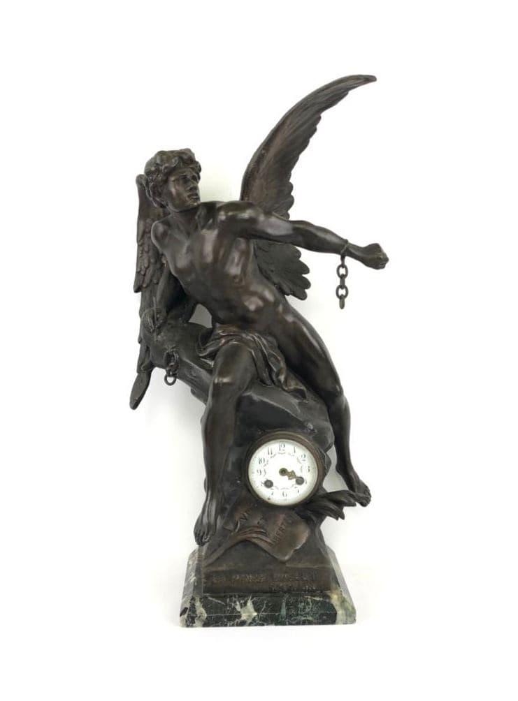 Антикварные часы из шпиатра