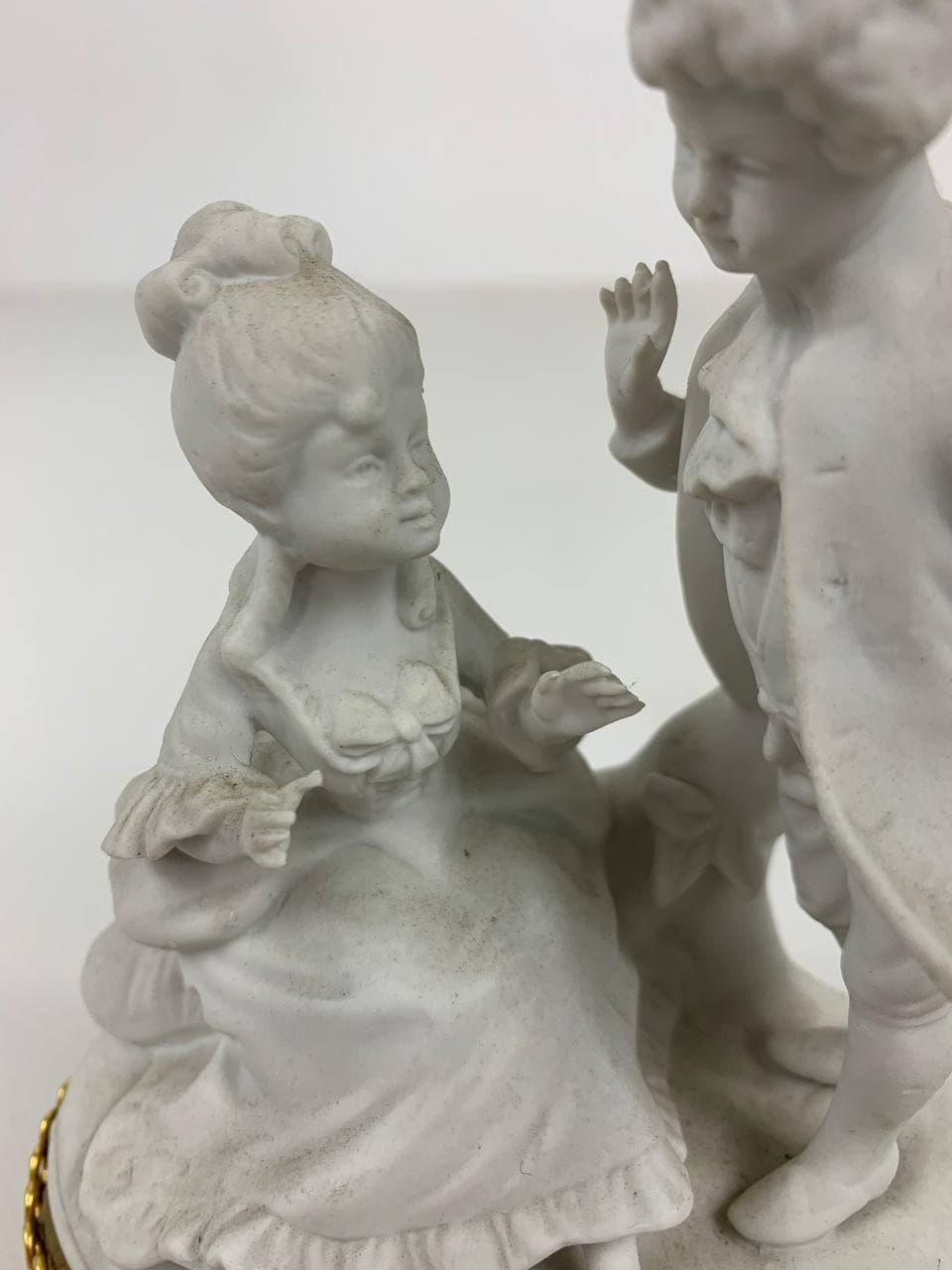Антикварная фигура из бисквита