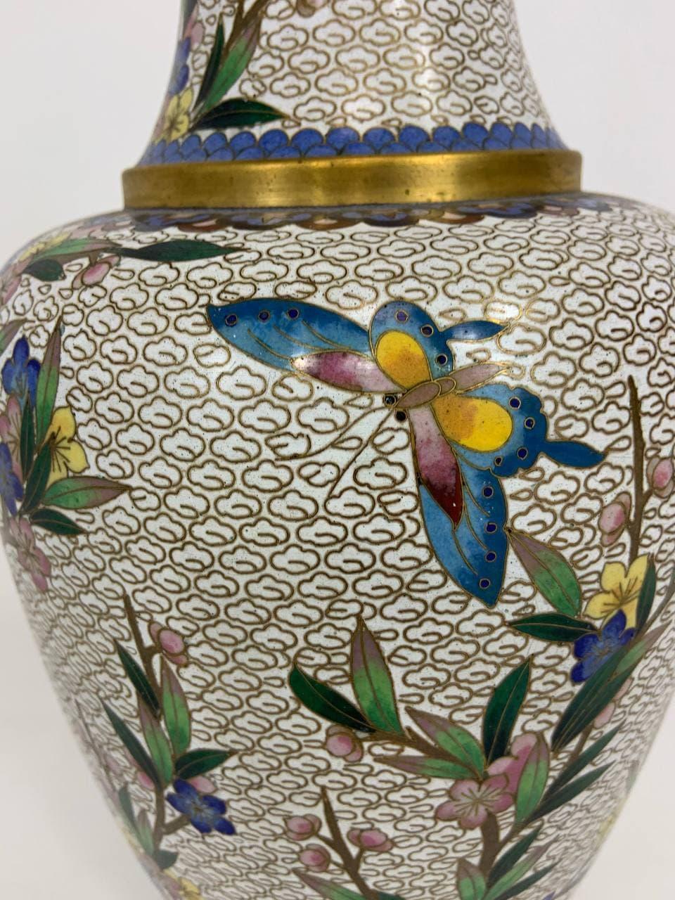 Антикварная ваза клуазоне