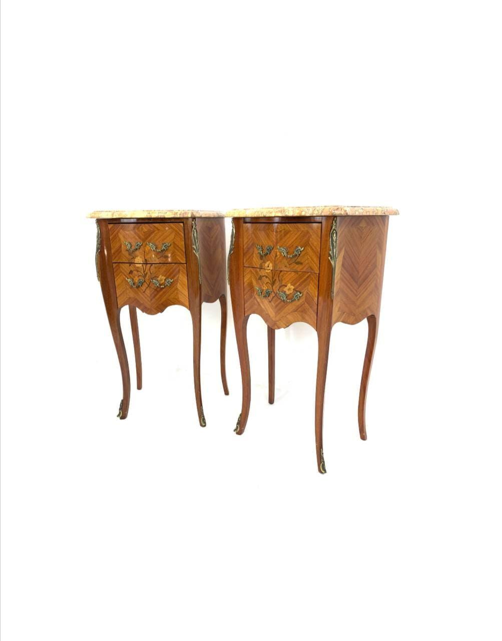 Антикварные прикроватные тумбочки в стиле Луи XV
