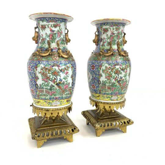 Антикварные парные вазы в азиатском стиле
