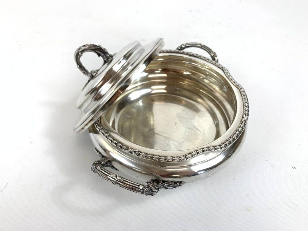 Антикварное блюдо для овощей из серебра ювелира Victor Roussel