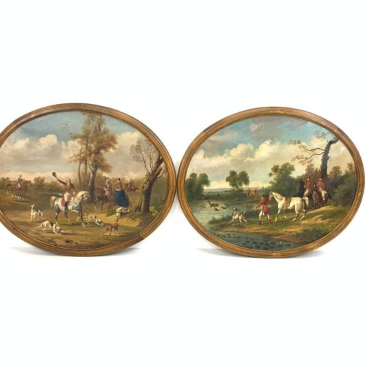 Антикварная пара картин в овальных рамах
