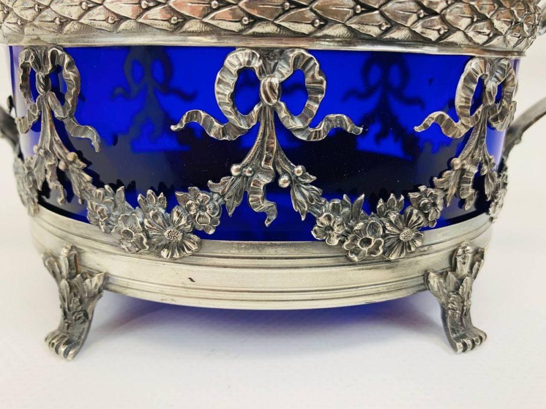 Антикварная серебряная сахарница с кобальтовым стеклом