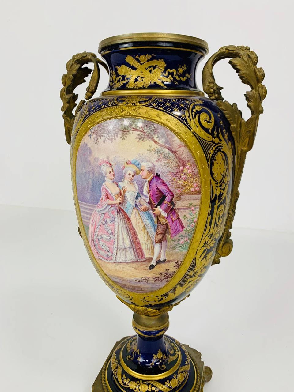 Антикварная ваза Севр