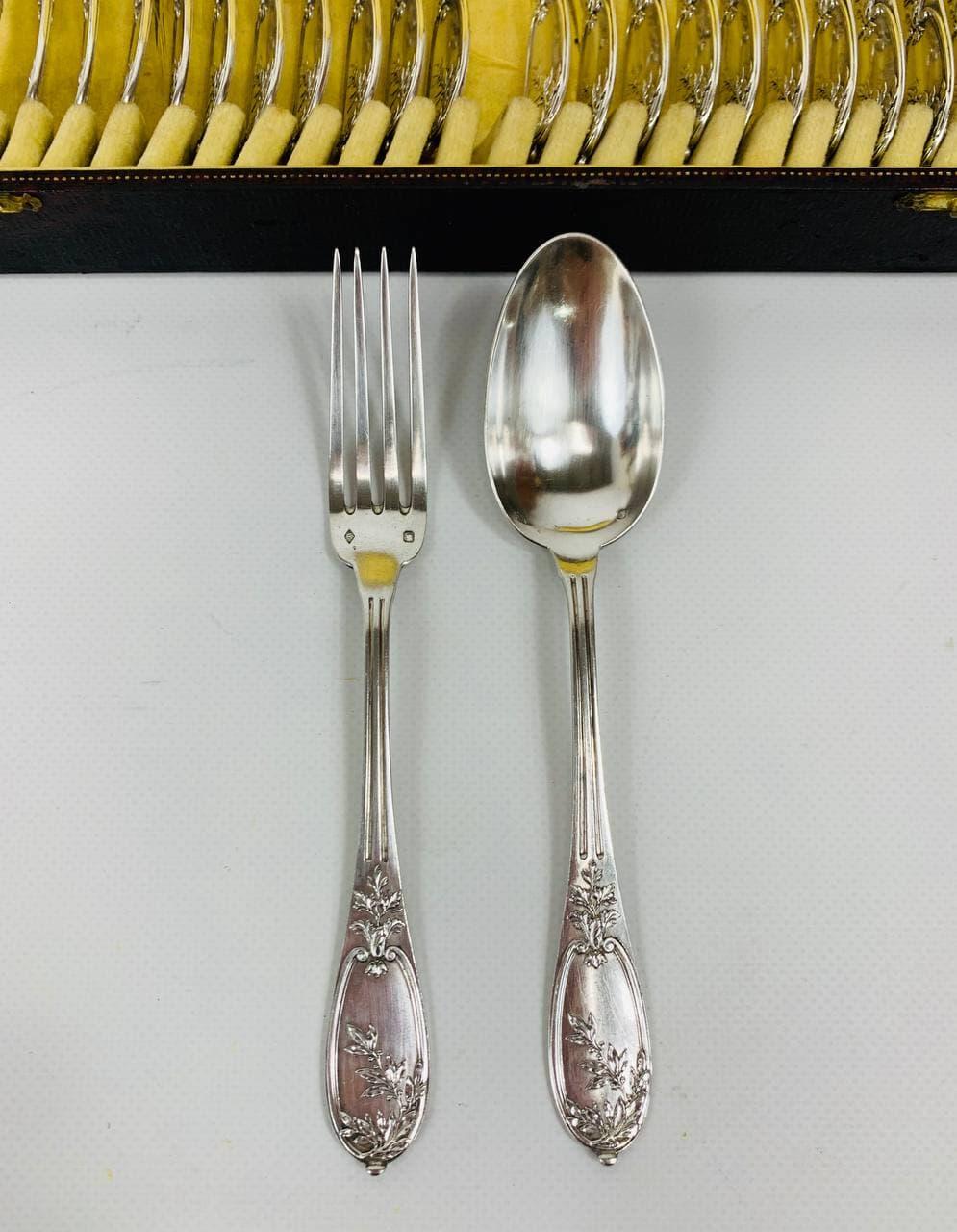 Антикварные вилки и ложки из серебра