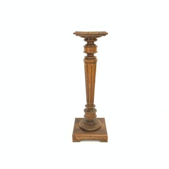 Антикварная ореховая колонна
