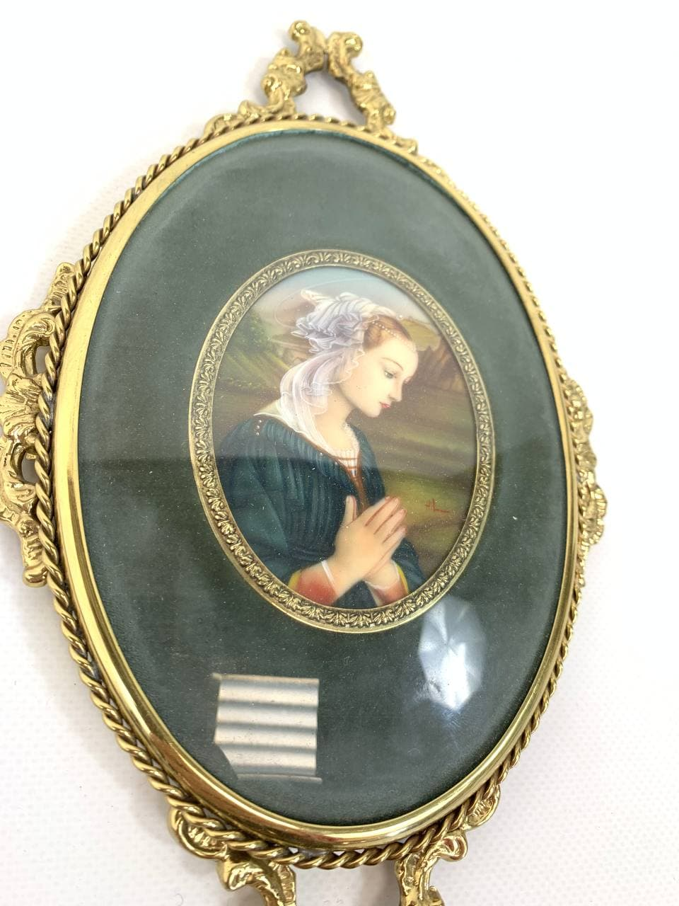 Винтажная миниатюра в бронзовой рамке