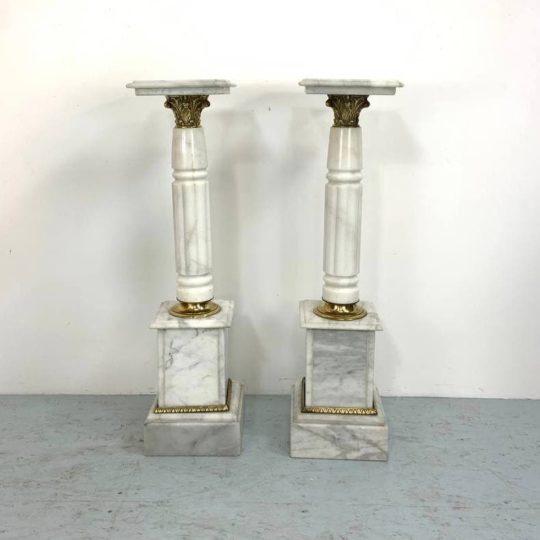 Антикварная пара мраморных колонн-подставок