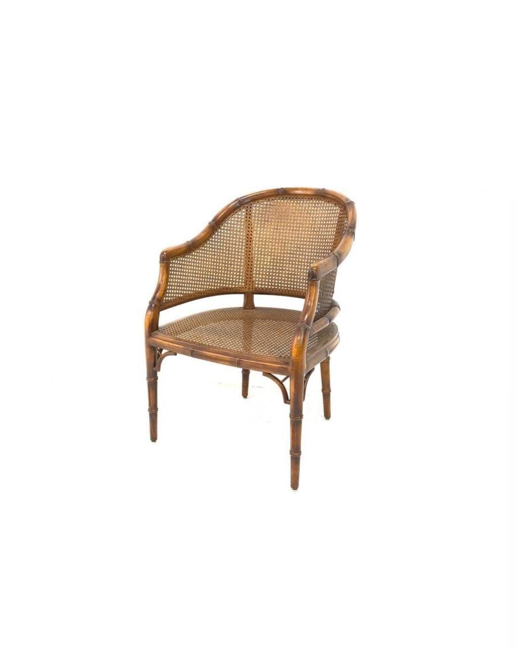 Винтажное кресло с ротангом