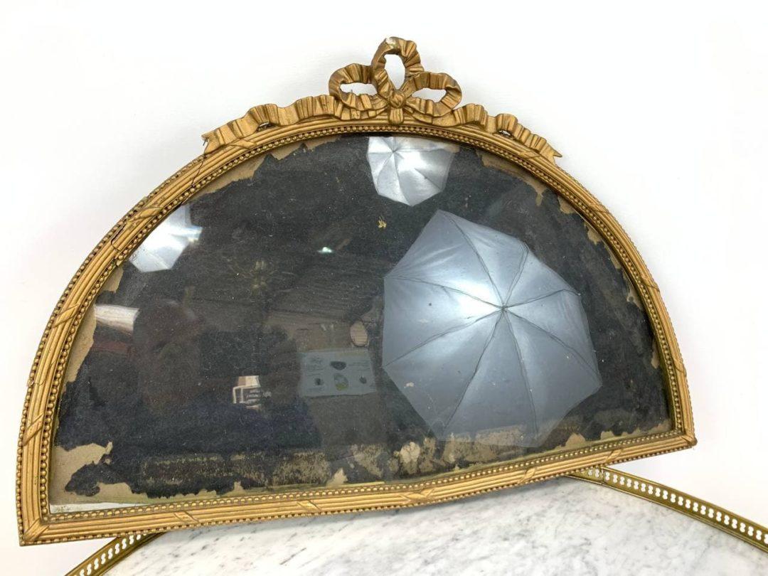 Антикварная полукруглая рамка в стиле Луи XVI