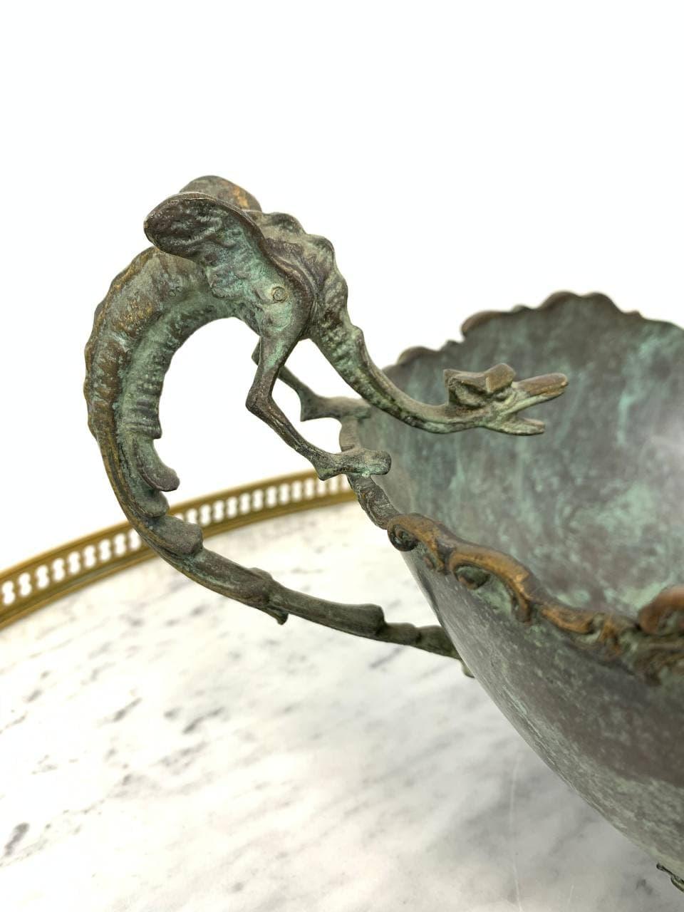 Антикварная бронзовая ваза для фруктов