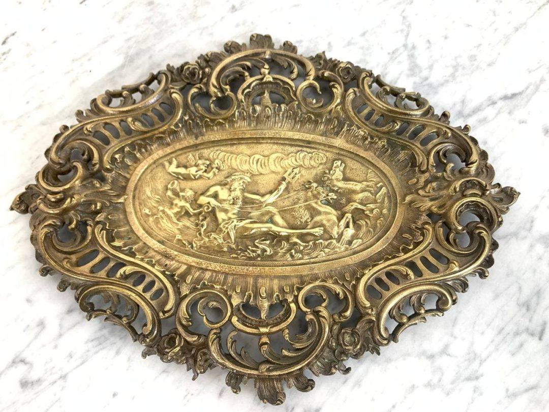 Антикварная бронзовая тарелка