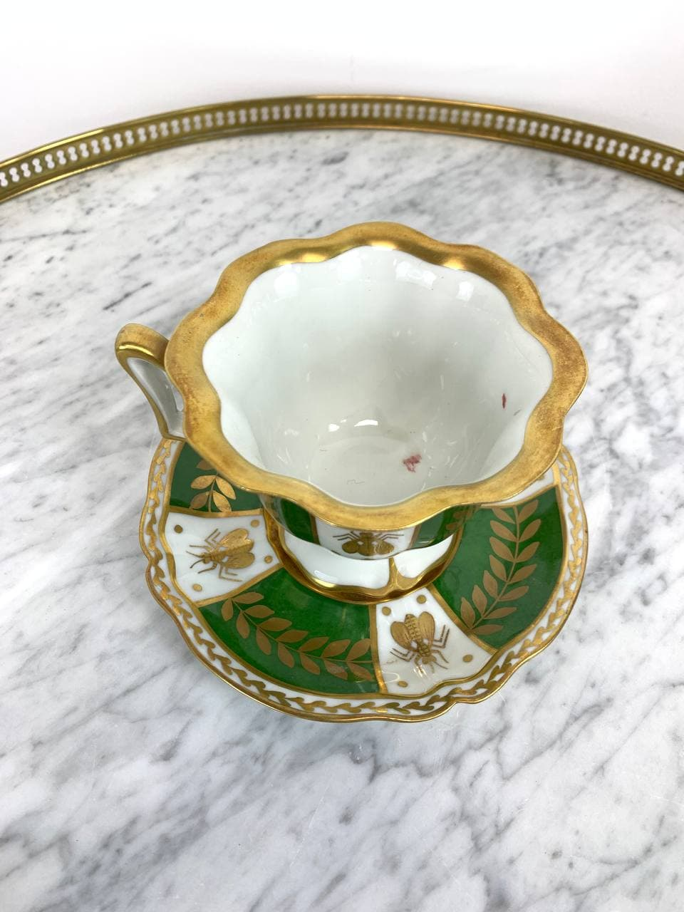 Антикварная чашка для шоколада