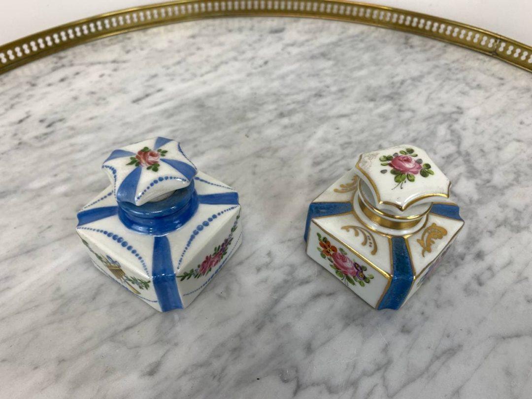 Антикварная пара фарфоровых флаконов