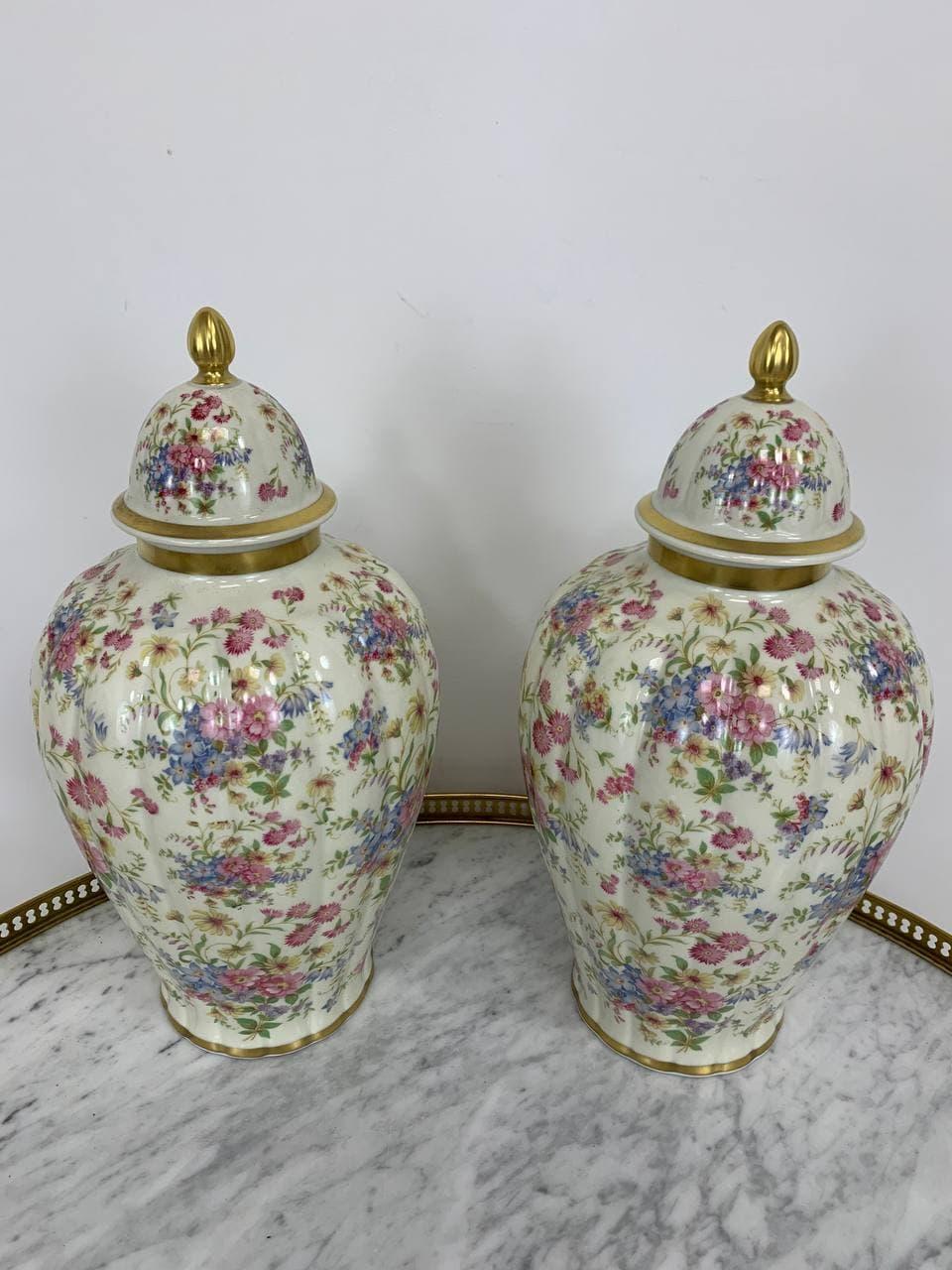 Винтажная пара фарфоровых ваз марки Розенталь