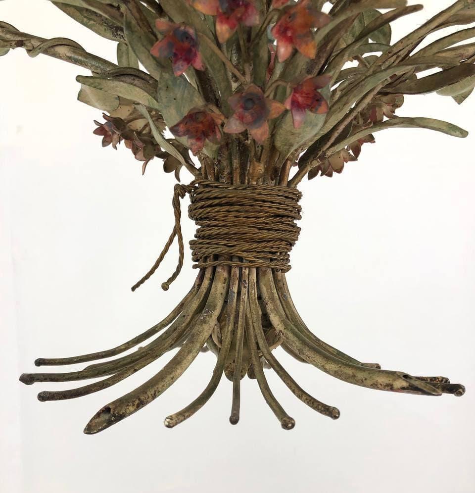 Винтажная люстра в виде цветочного букета