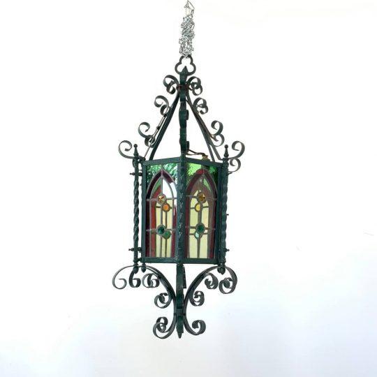 Антикварный уличный фонарь с витражами