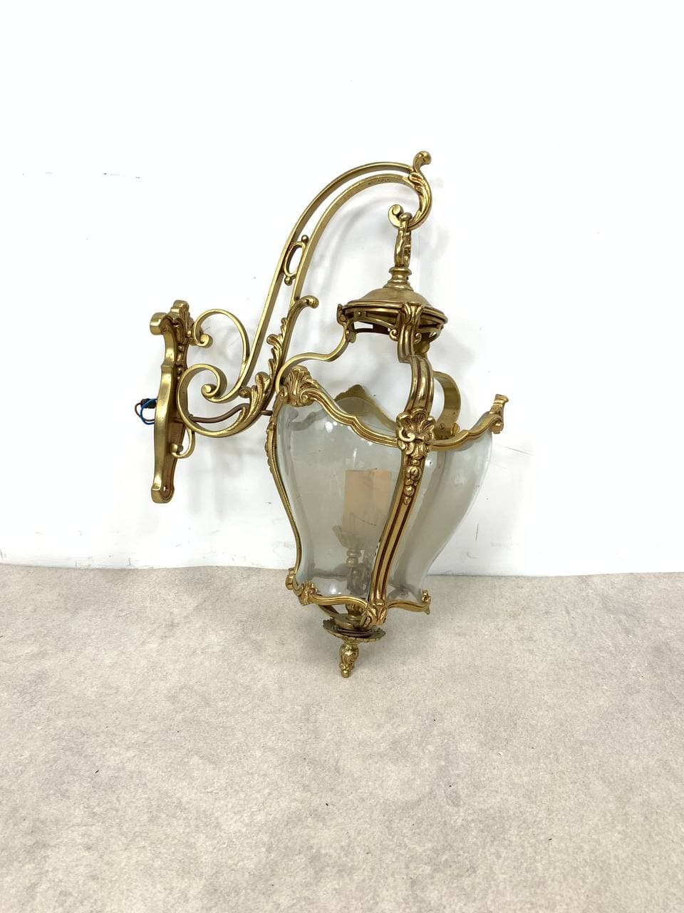 Винтажный фонарь-бра из бронзы