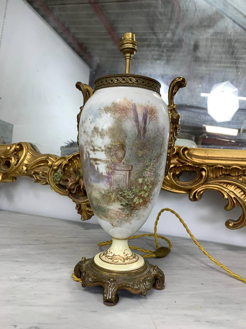 Антикварная расписная лампа