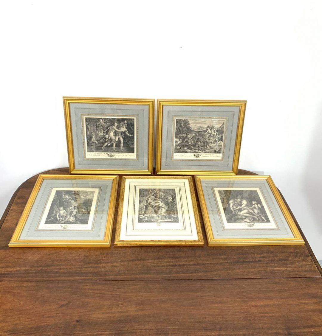 Антикварная серия гравюр в рамках